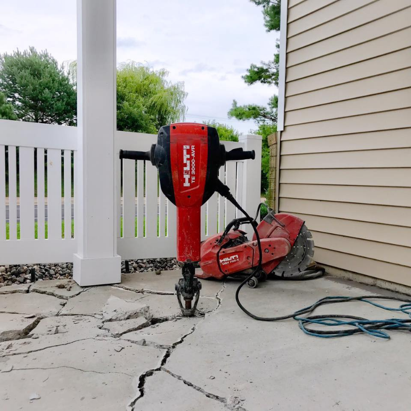 Concrete demolition jack hammer remocal
